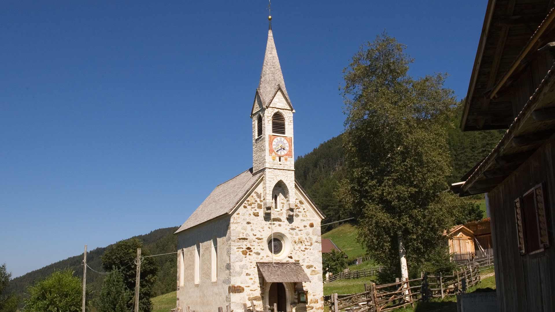 Kirche von Aschbach bei Algund