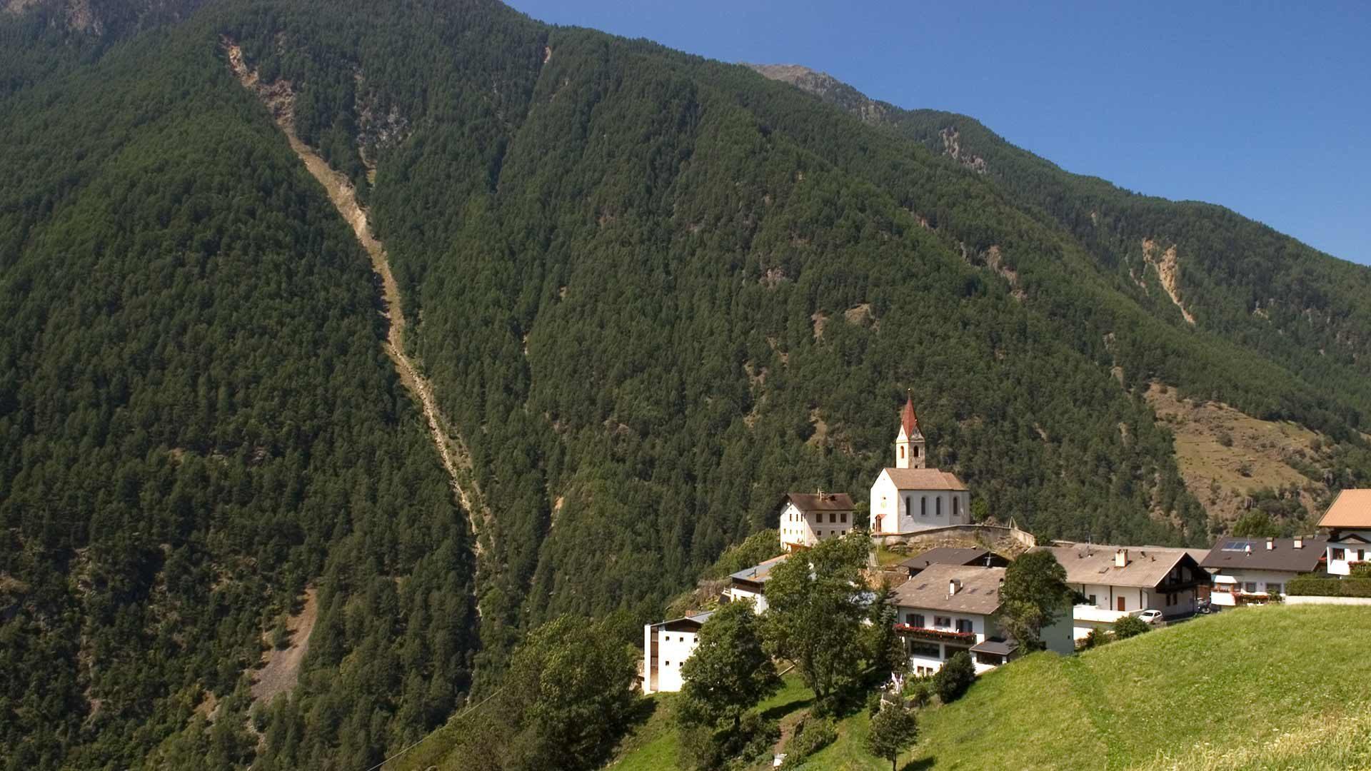 Schnalstal - Blick zur Kirche