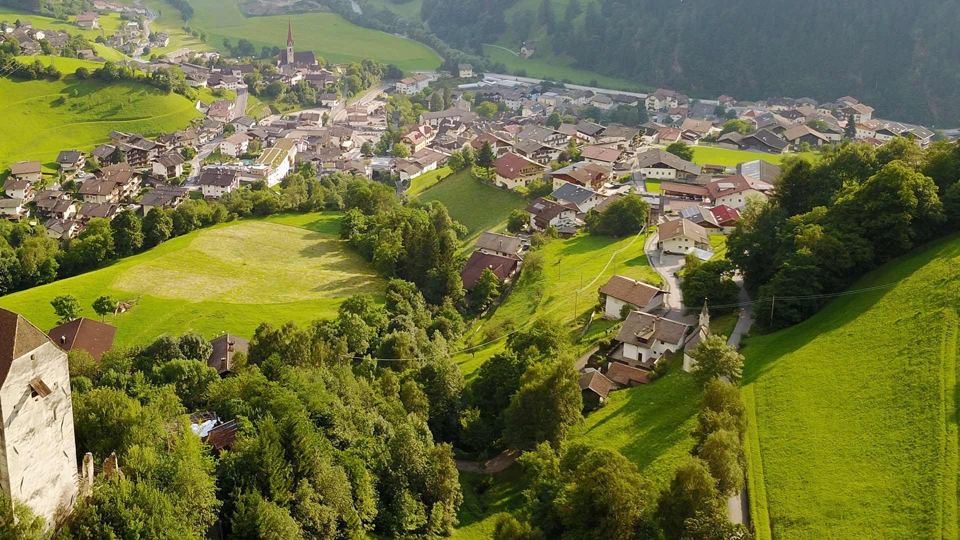 Hauptort des Passeiertales - St. Leonhard