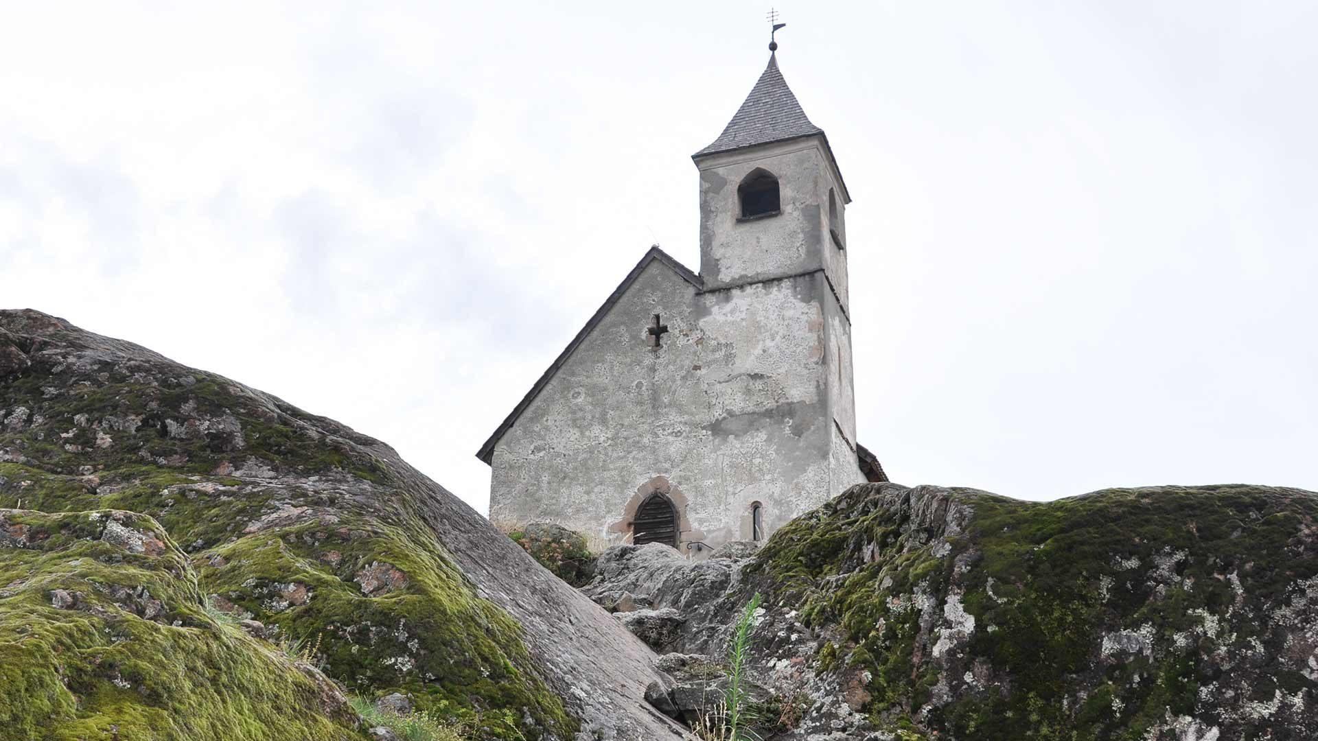 St. Hippolyt Kirchlein oberhalb von St. Leonhard