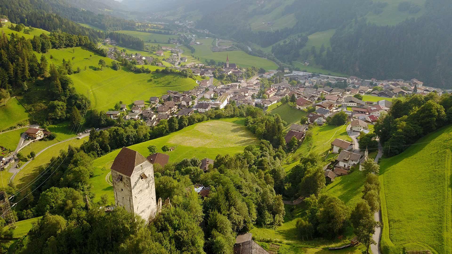 Die Jaufenburg in St. Leonhard