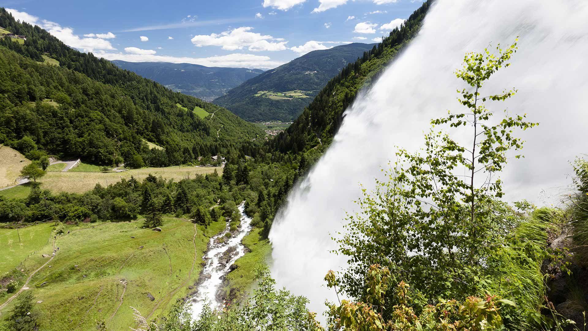 Partschinser Wasserfall zur Schneeschmelze