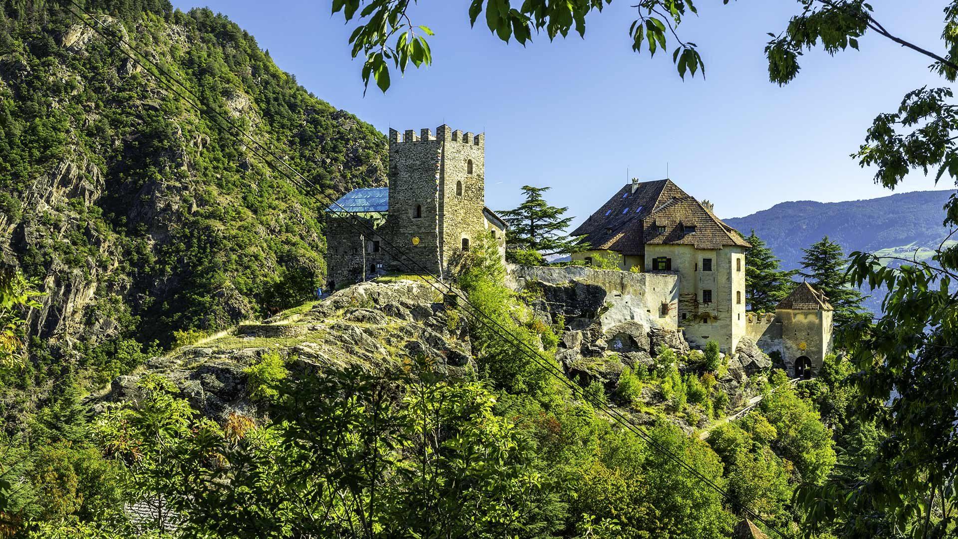 Blick auf Schloss Juval