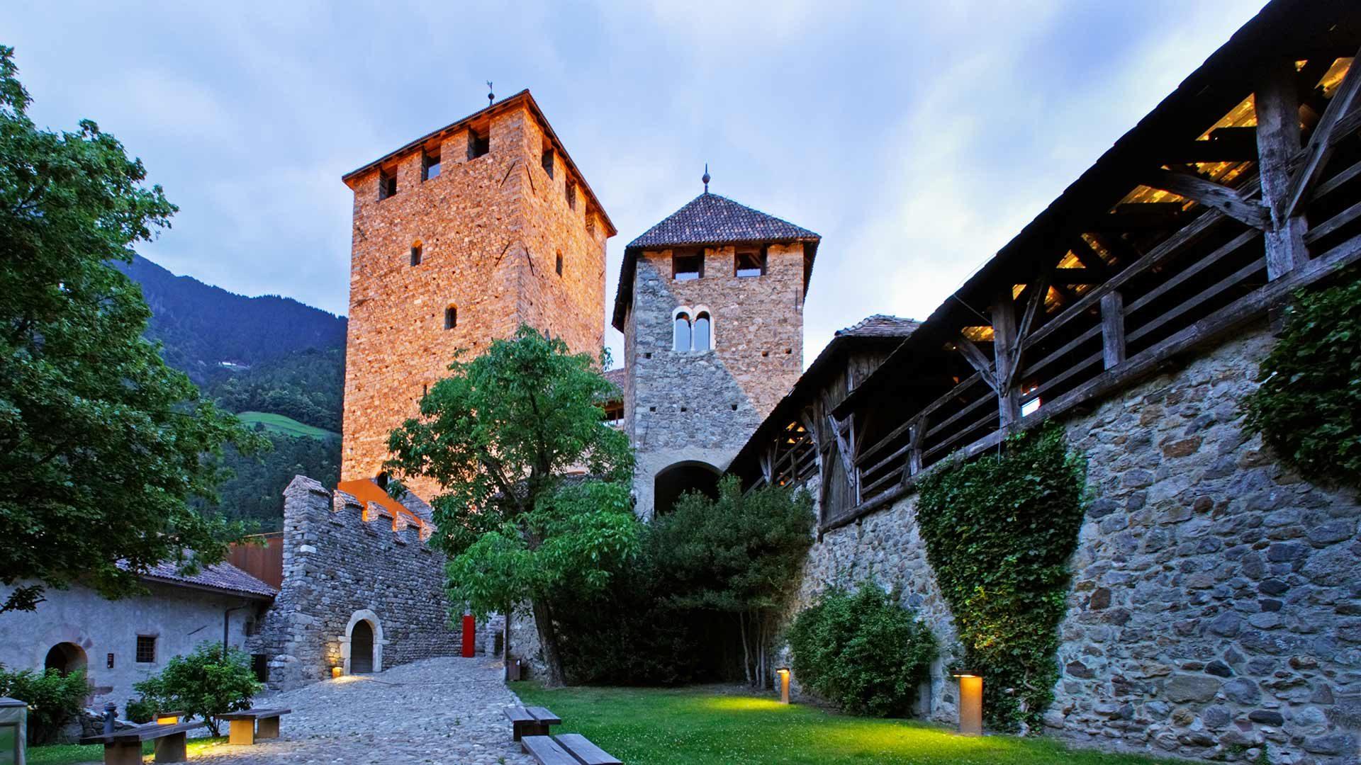 Schloss Tirol - Abendstimmung