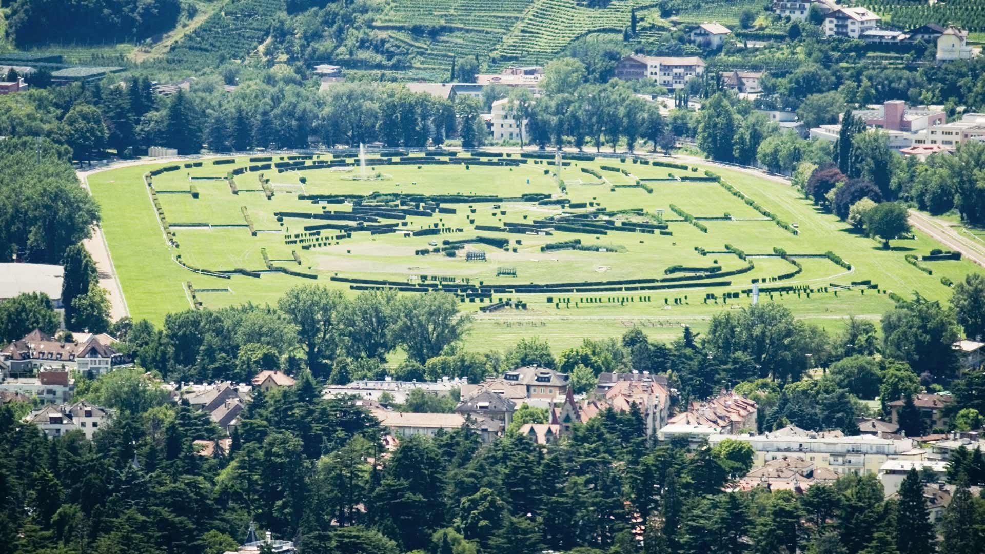 Pferderennplatz - Großer Preis von Meran Südtirol