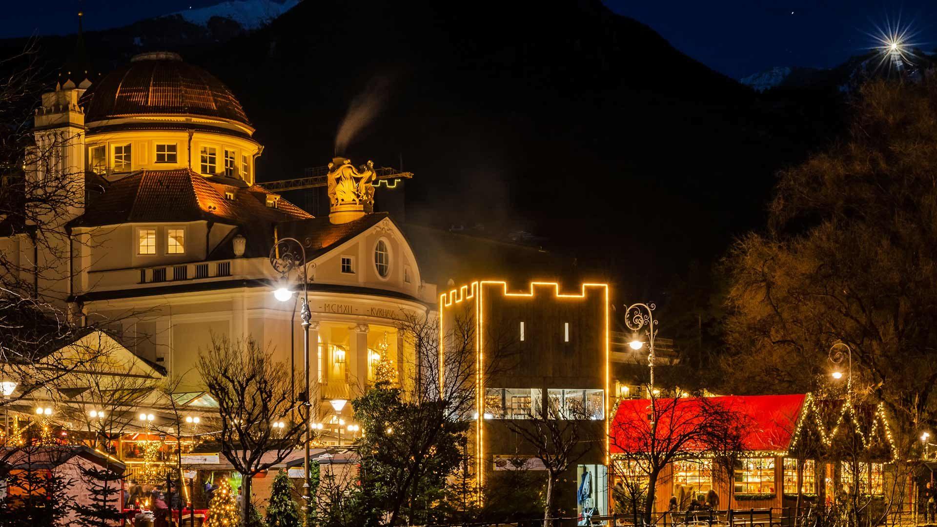 Abendstimmung - Weihnachtsmarkt Meran in Südtirol
