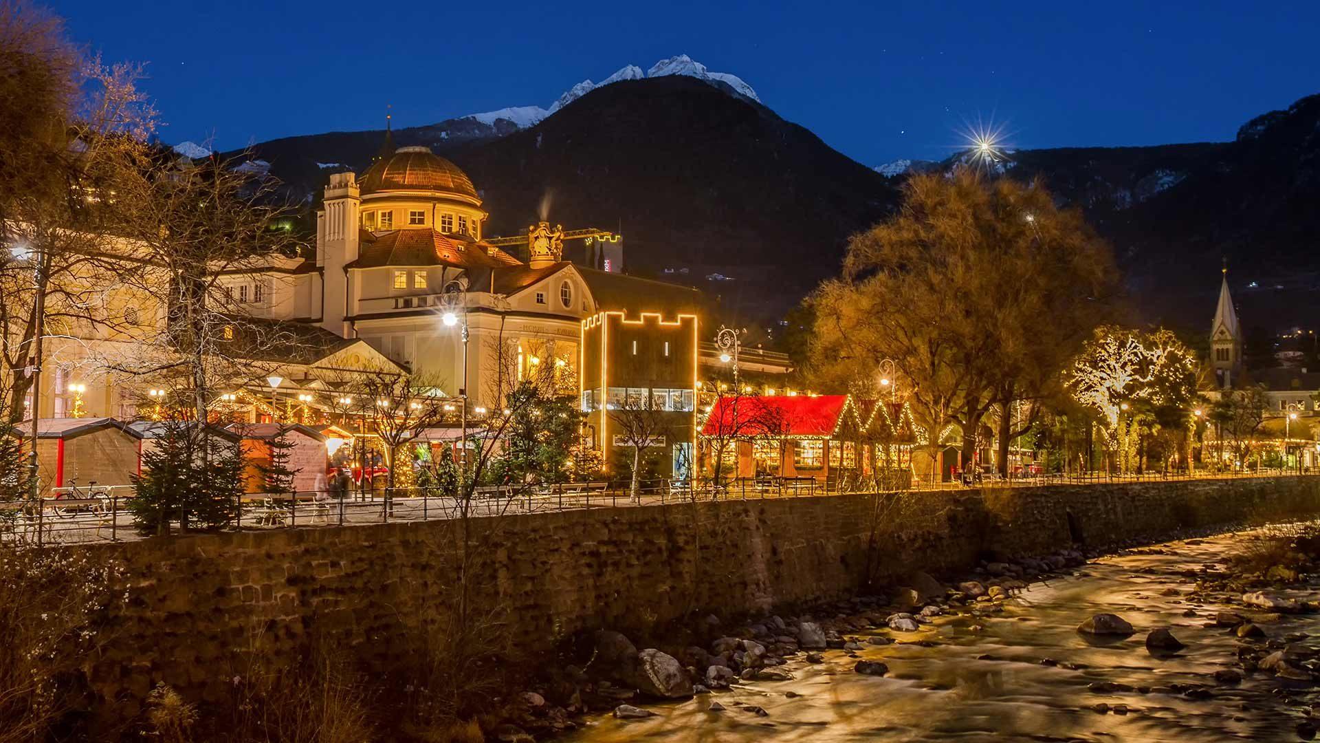 Abendstimmung - Weihnachtsmarkt Meran