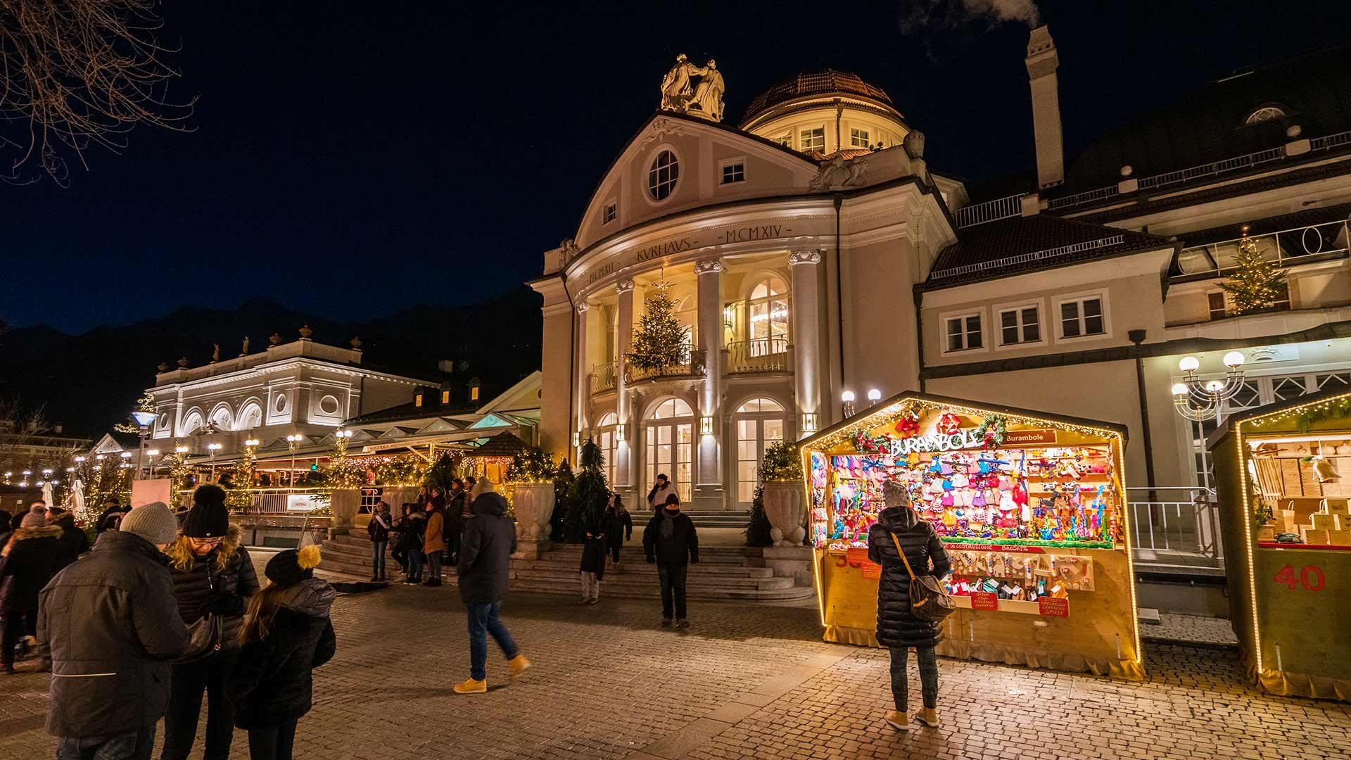 Kurhaus - Weihnachtsmarkt Meran