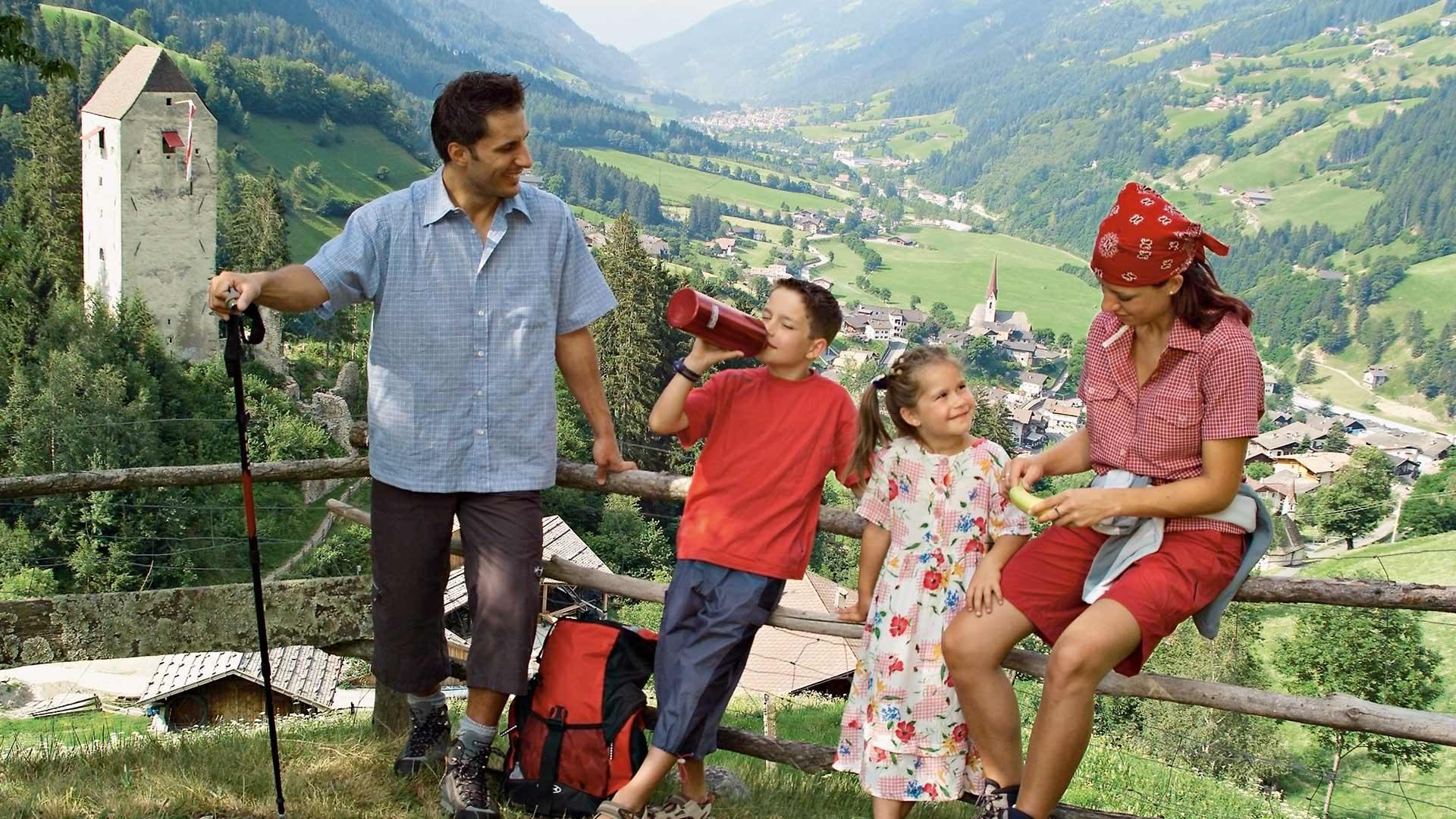 Rundwanderung zum Niedersteinhof