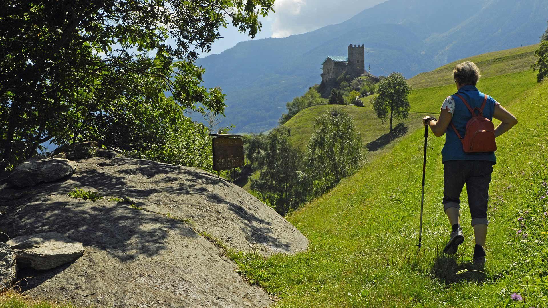 Schloss Juval und Stabener Waalweg